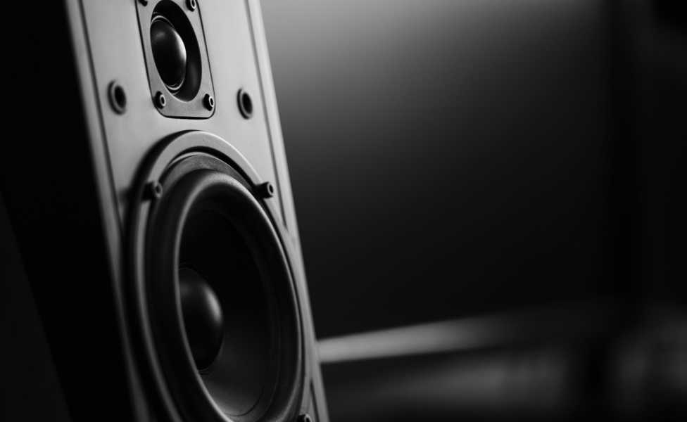 How to Connect Studio Monitors To Your Pc