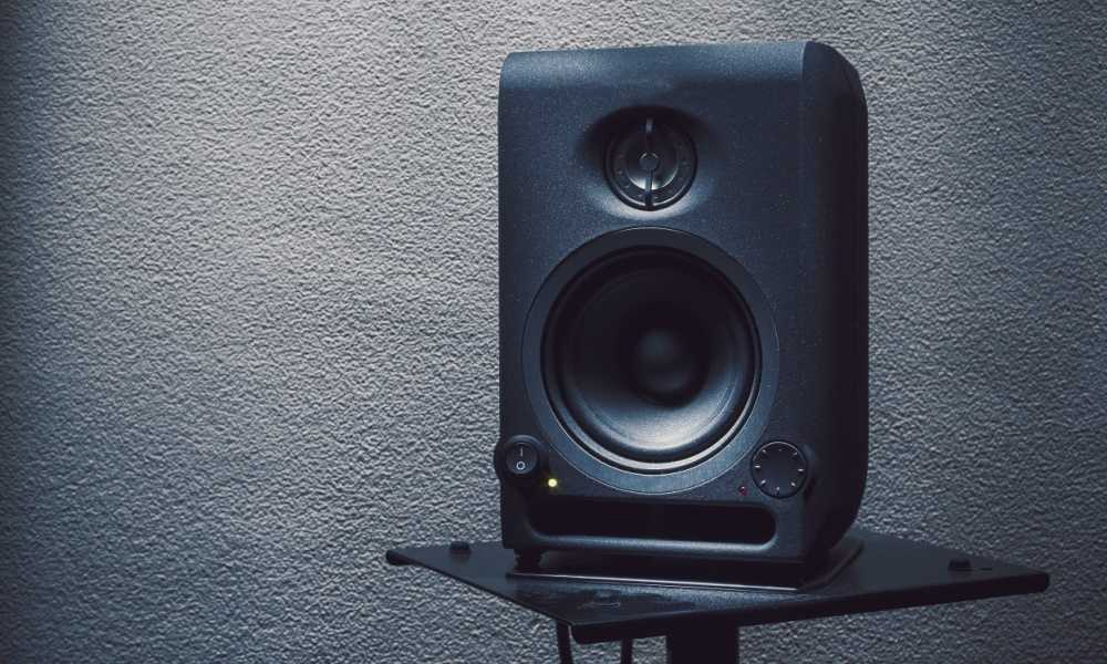 How to Connect Studio Monitors to Audio Interfaces for the Best Home Recording Experience