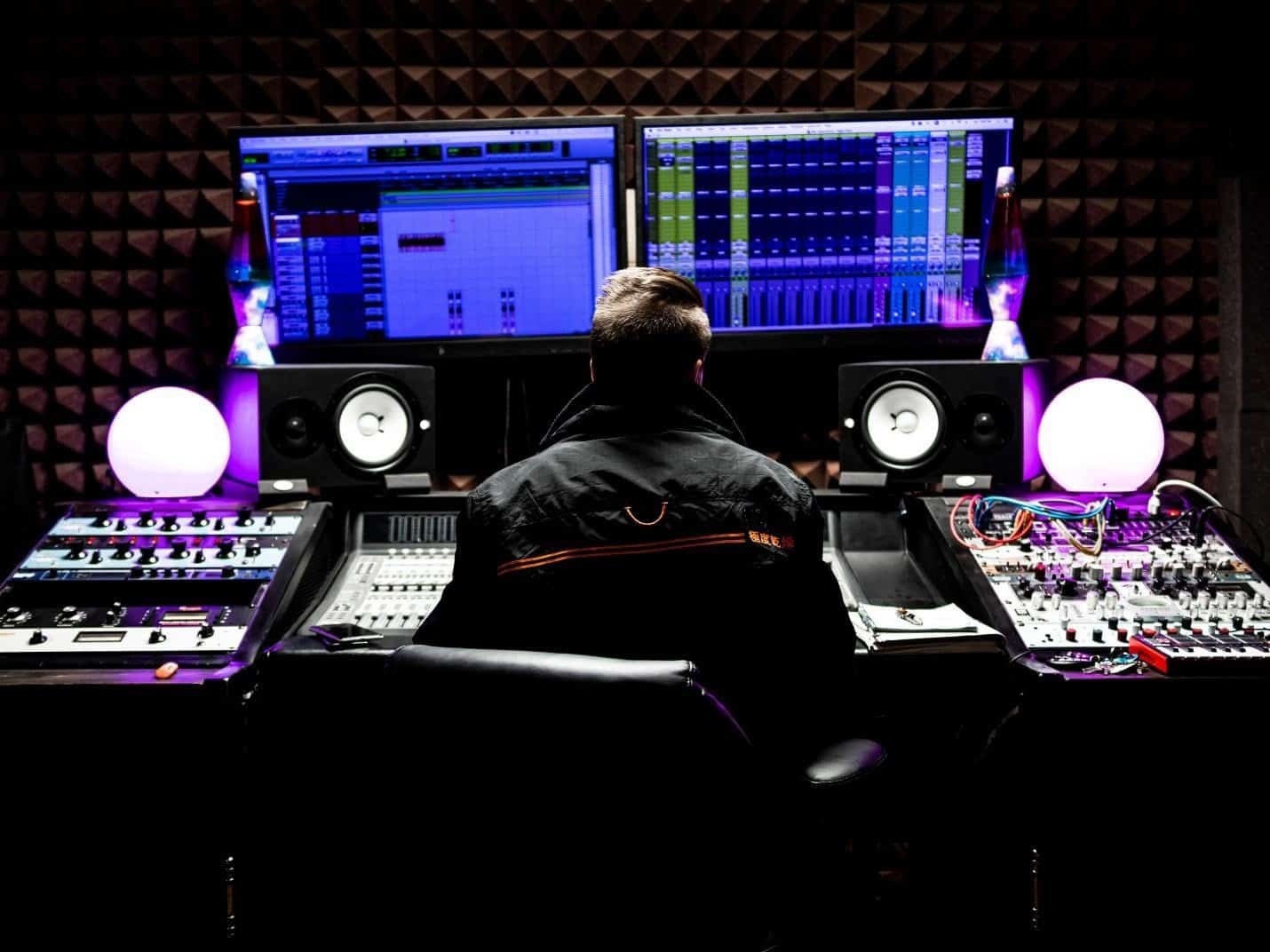 Professional Recording Studio Equipment List: The Essential 33 Items