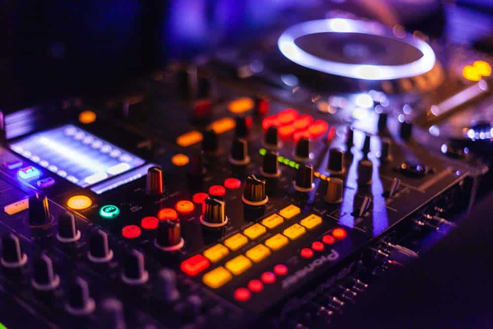 Best All-In-One DJ Controller