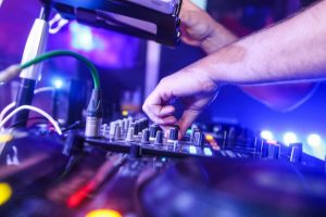 How to Use a DJ Mixer for Beginners?